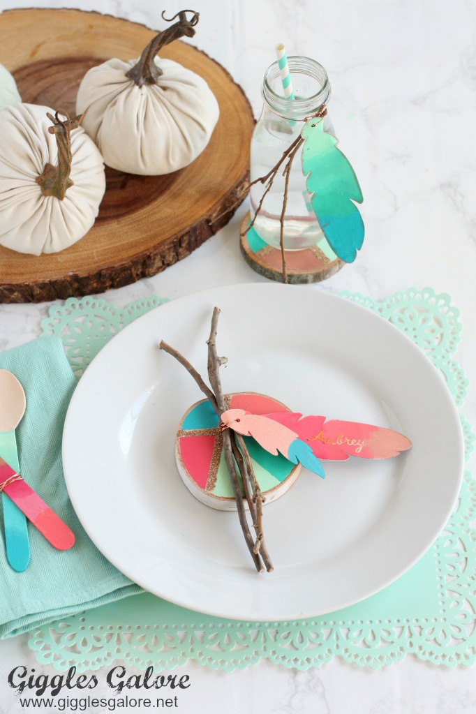 Colorful-Painted-Feather-Place-Cards_Kids-Thanksgiving-Table